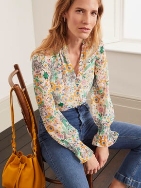 Women's shirt and blouses